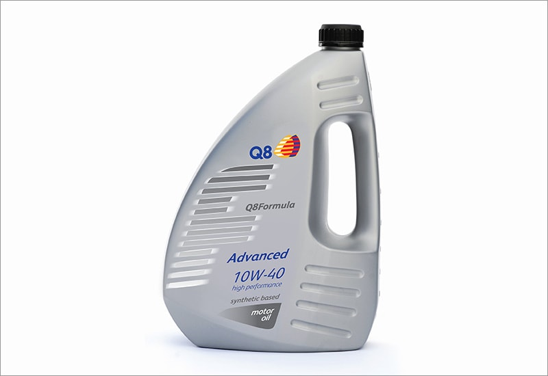 Clonmel Oil lubricants photo of a carton of Q8 Advanced 10W-40